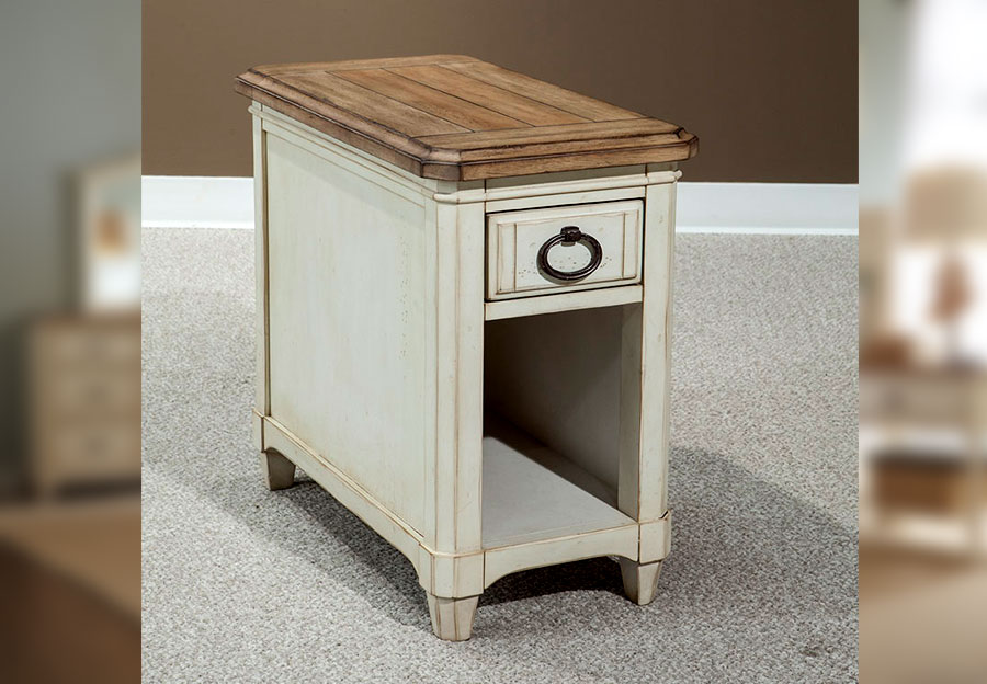 Palmetto Home Millbrook Chairside Table