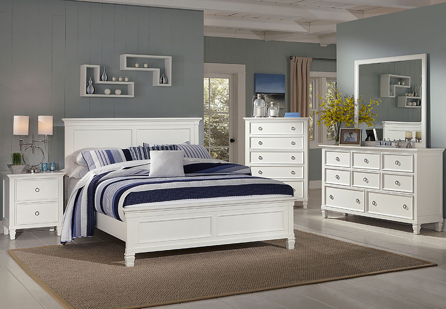New Classic Tamarack White Queen Bed, Dresser, and Mirror